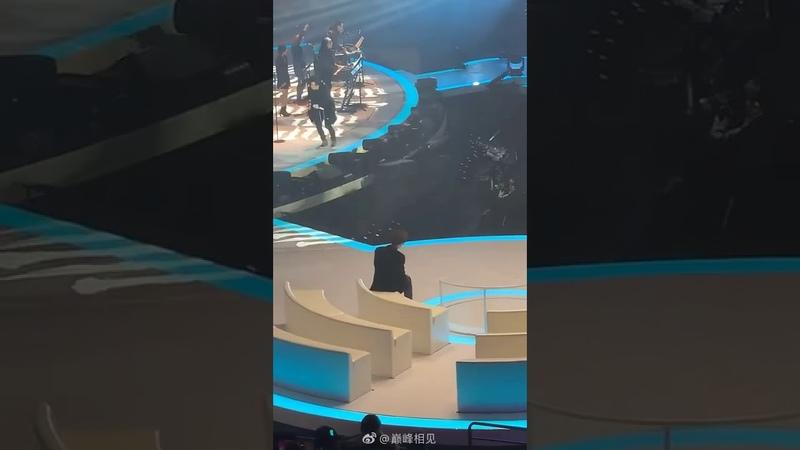 [NinePercent] 陈立农追星成功,看偶像薛之谦表演 还成功逗笑偶像