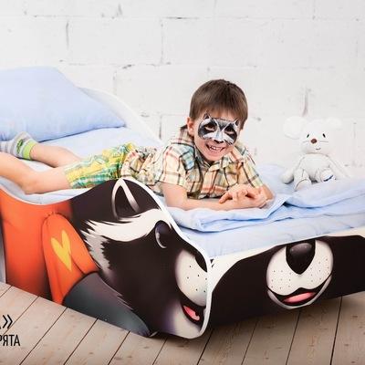 Кроватка-машинка